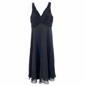 JONES WEAR DRESS black ruched sleeveless dress • 8